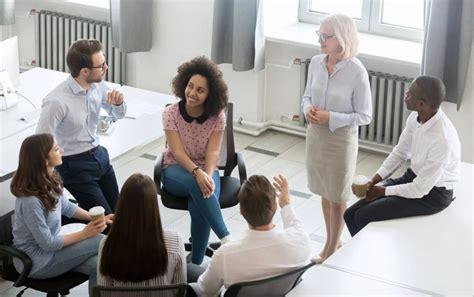 Kā kļūt Efektīvas Active klausītājs - TheCareerGuru