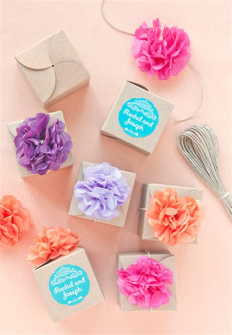diy wedding favor stickers 5 ways to style clasp favor boxes evermine