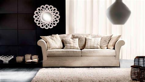 divanetti classici divani e poltrone a modena e reggio arredamenti costantini