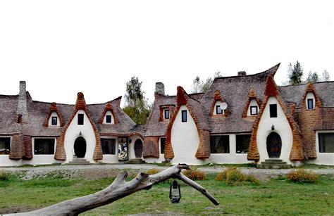 Castelul de Lut Valea Zanelor | Sâmbăta, Romania Attractions - Lonely Planet