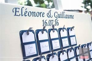 Deco Mariage Bleu Marine : plan de table mariage escord card bleu marine blanc et gris argent 2 mains et merveilles ~ Teatrodelosmanantiales.com Idées de Décoration
