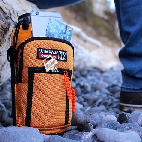 wild wolf   easy  carry big water bottles