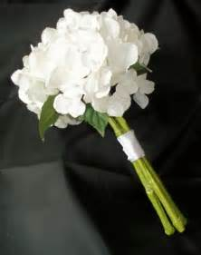 white flowers for wedding gorgeous white hydrangea wedding flowers