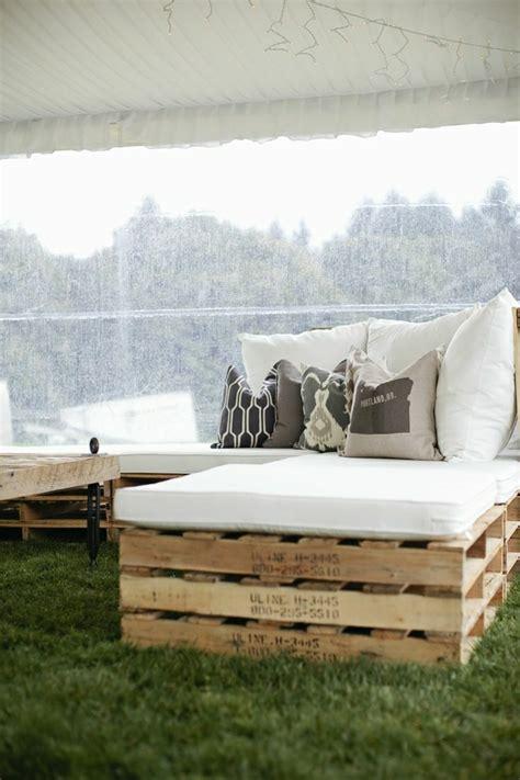 Gestaltung Mit Paletten by Wir Stellen Ihnen Das Sofa Aus Paletten Vor Archzine Net