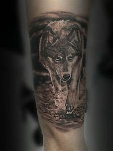 Loup Tatouage Signification : 143 tatouages de loup et leur signification ~ Dallasstarsshop.com Idées de Décoration