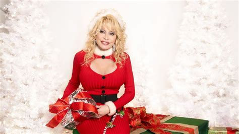 CMT & Dolly Parton Plan a 'Holly Dolly Christmas' Channel ...