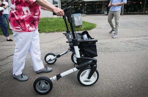 rollator mit motor rollator aktuelle themen nachrichten bilder stuttgarter nachrichten
