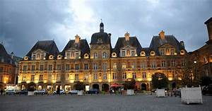 Hotel Charleville Mezieres : charleville m zi res et sa place ducale ~ Melissatoandfro.com Idées de Décoration
