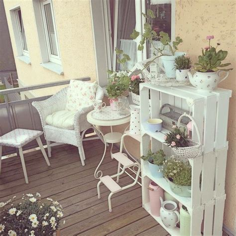 25 best ideas about shabby chic garden on garden ladder shabby chic and simple