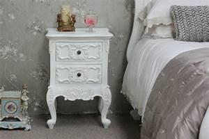 Table De Chevet Romantique : le chevet baroque rennaissance d 39 un meuble classique ~ Melissatoandfro.com Idées de Décoration