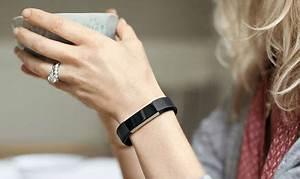 fitbit alta noir le bracelet connecte qui combine sport With robe fourreau combiné avec bracelet ou montre connecté