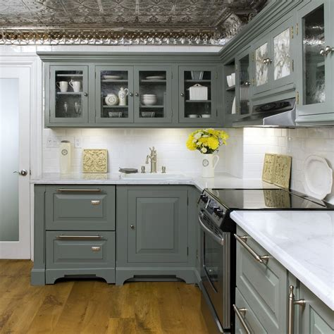 gray kitchen white cabinets combinate gray kitchen cabinets with black appliances