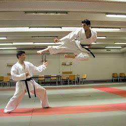 Gatas Nuas Karate Meste Maestro