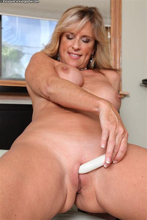 Curvy Mature Blonde Jodi West Pleasing Her Shaved Twat