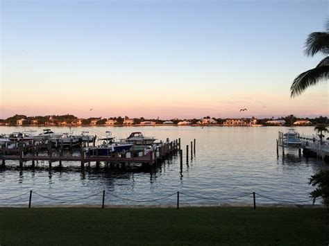 Boat Club Pet Resort by Direct Intracoastal View 2 Beds 2 Baths For Rent