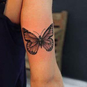 Tatouage Papillon Signification : tatouage papillon poignet signification cochese tattoo ~ Melissatoandfro.com Idées de Décoration