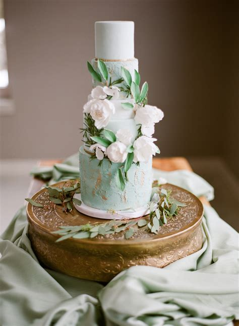 20 Wedding Cakes With Playfully Elegant Proportions Chic