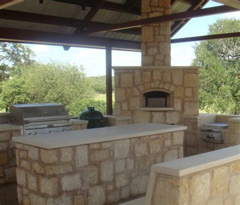 hill country outdoor kitchen patio by