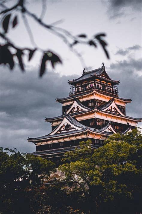 astounding places  visit  japan hostelworld