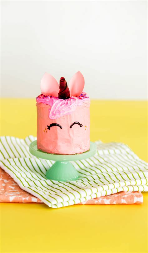 unicorn cake   easy steps  subtle revelry