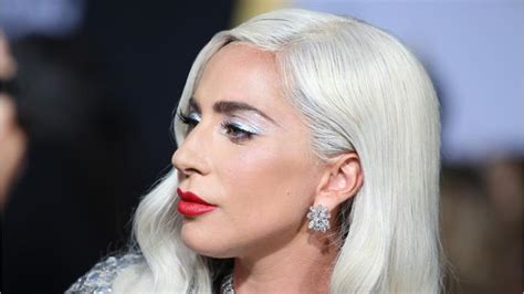 Lady Gaga Debuts Shallow  One News Page Video