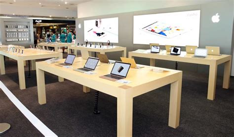 Dubai Duty Free opens Apple's largest footprint in travel