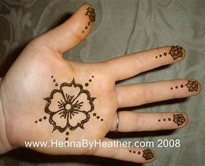 113-simple-flower-center-hand-henna | Henna by Heather ...