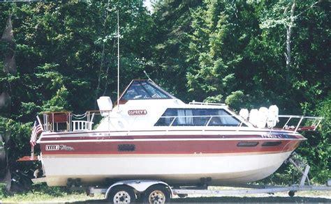cabin cruiser boats thompson cabin cruiser 1984 for for 4 000 boats