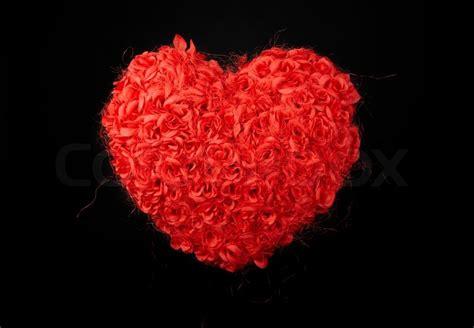Herz Aus Rosen, Rote Rosen Auf Schwarzem Hintergrund