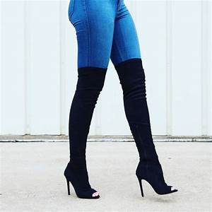 Blue jeans and black boots - LadyStyle