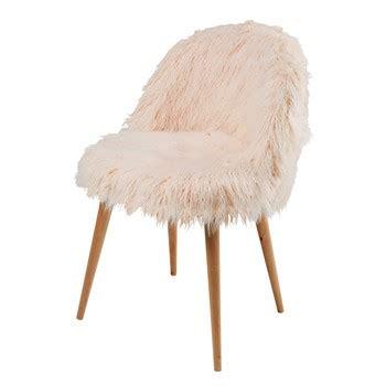 chaise fourrure chaise laquelle choisir maisons du monde