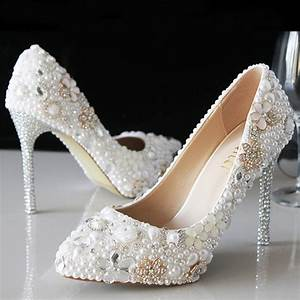 luxury attractive pointed toe pearl bridal wedding dress With wedding dress shoes ivory