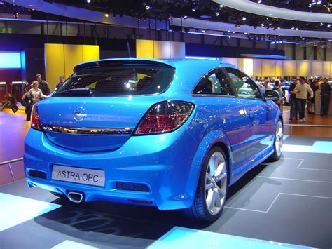 Opel Astra Opc Photos News Reviews Specs Car Listings