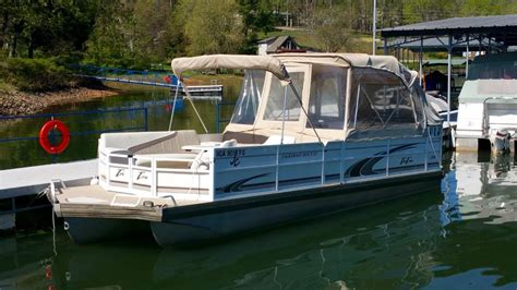 Jc Tritoon Boat Covers by 1999 Jc 266 Tritoon 5 0l V8 Boundary Waters Marina