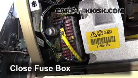 Land Rover Fuse Box Location by Interior Fuse Box Location 1994 1998 Land Rover Discovery