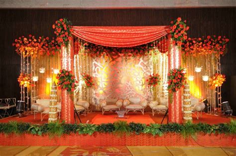 Wedding Planner: Indian wedding stage decorations and