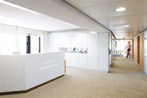 bureau d accueil des doctorants tables de bureau et banque d 39 accueil esthederm