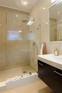 comment agrandir la petite salle de bains 25 exemples With salle de bain design avec grand verre à vin décoration