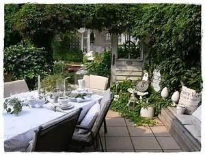 Shabby landhaus vorher nachergarten laube for Markise balkon mit tapete shabby look
