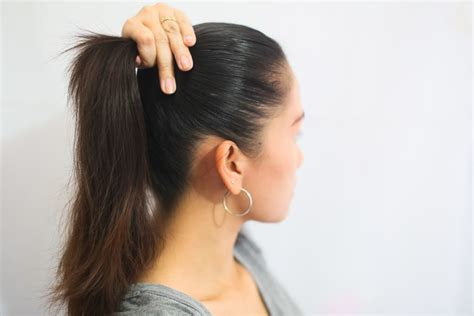 How to Make Cute Hairstyles for High School: 8 Steps