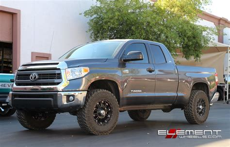 toyota tundra wheels  tires       truck