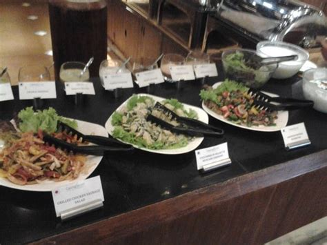 buffet bar cuisine buffet salad bar picture of tharavadu restaurant kochi