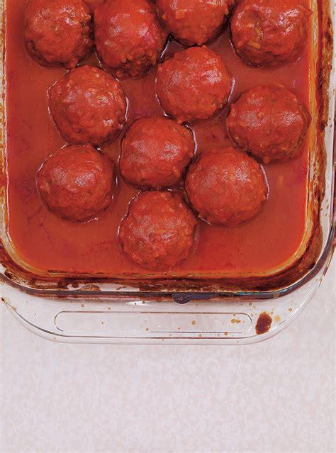 boulettes de viande sauce tomate cuisine italienne sauce tomate aux boulettes de viande ricardo