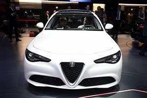 Alfa Romeo Giulia 2016 : the new alfa romeo giulia at the geneva motorshow 2016 webloganycar ~ Gottalentnigeria.com Avis de Voitures