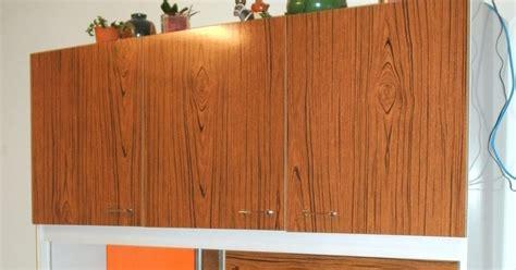 peinture pour formica cuisine l 39 atelier déco du capagut le meuble en formica de xhochabel