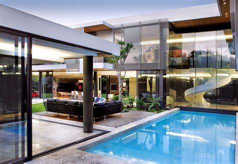 desain kolam renang rumah minimalis private  nyaman