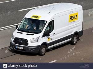Hertz Auto Mieten : hertz stockfotos hertz bilder alamy ~ Watch28wear.com Haus und Dekorationen