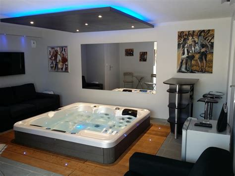 location chambre avec spa privatif location chambre d 39 hôtes n g2642 à cuers gîtes de