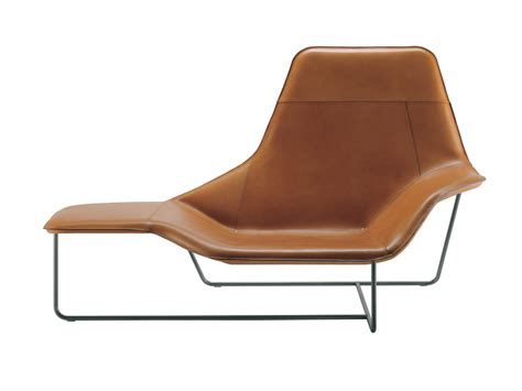 buy the zanotta 921 lama chaise longue at nest co uk