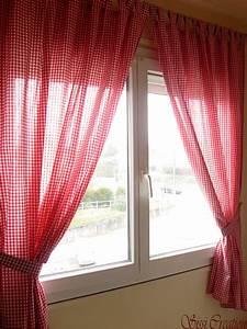 Rideau Gris Et Rouge : rideau blanc rouge galerie avec rideaux salon rouge et ~ Teatrodelosmanantiales.com Idées de Décoration